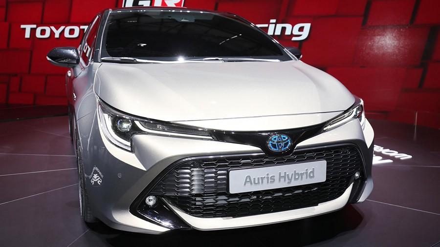 Toyota Auris premiera 3