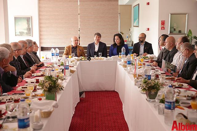 Antalya Büyükşehir Belediyesi Başkanı Menderes Türel 'Dostlar Meclisi'nin konuğu oldu-6