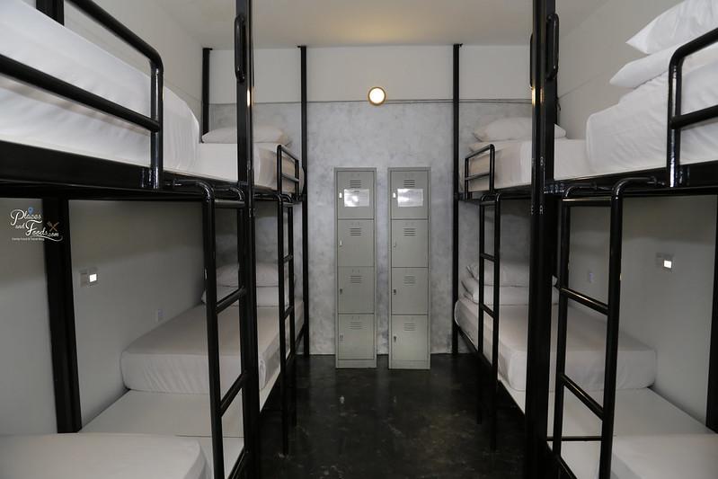 comfort cabin eight beds bunker