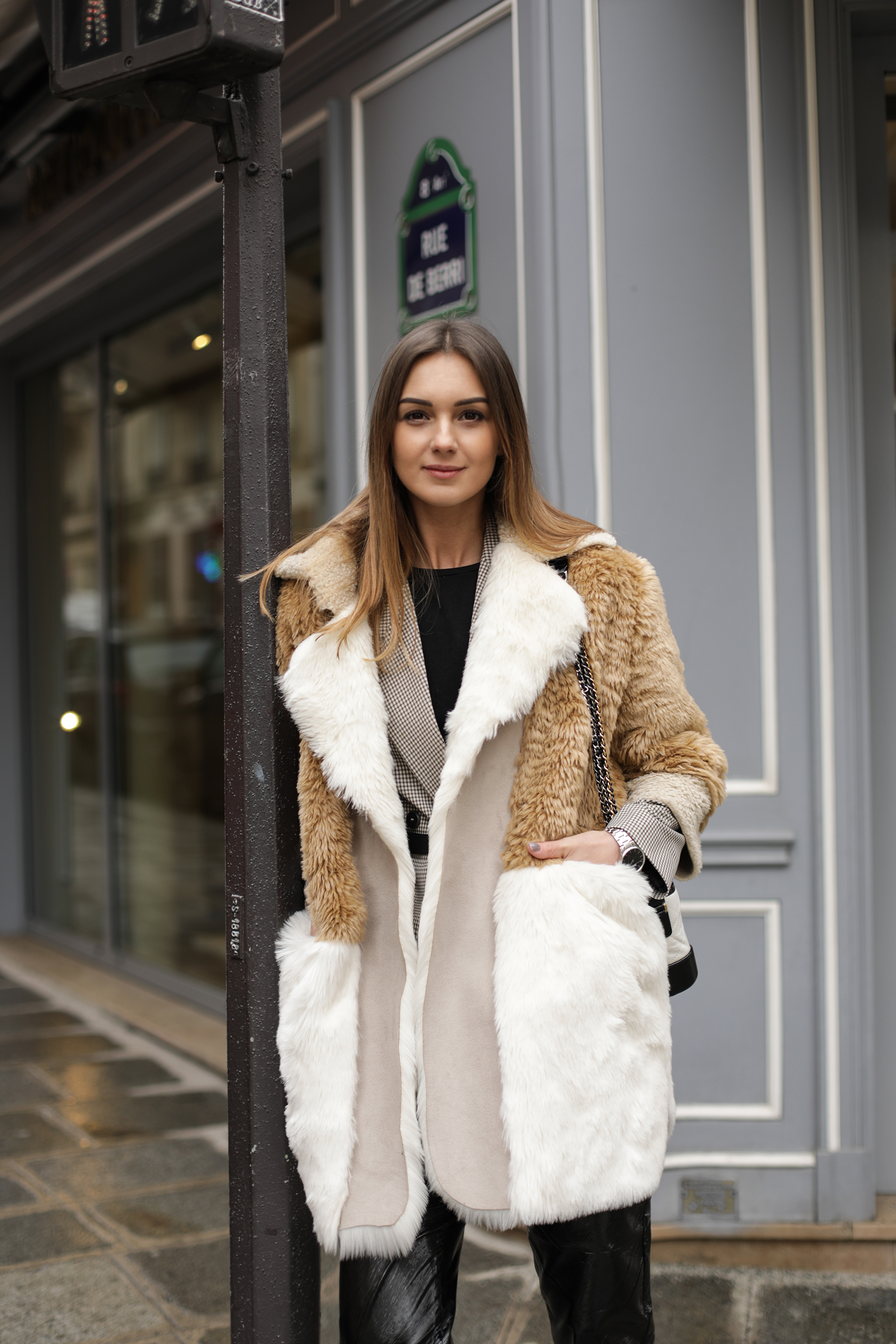 nika-huk-fashiob-blogger-ukraine-faux-fur