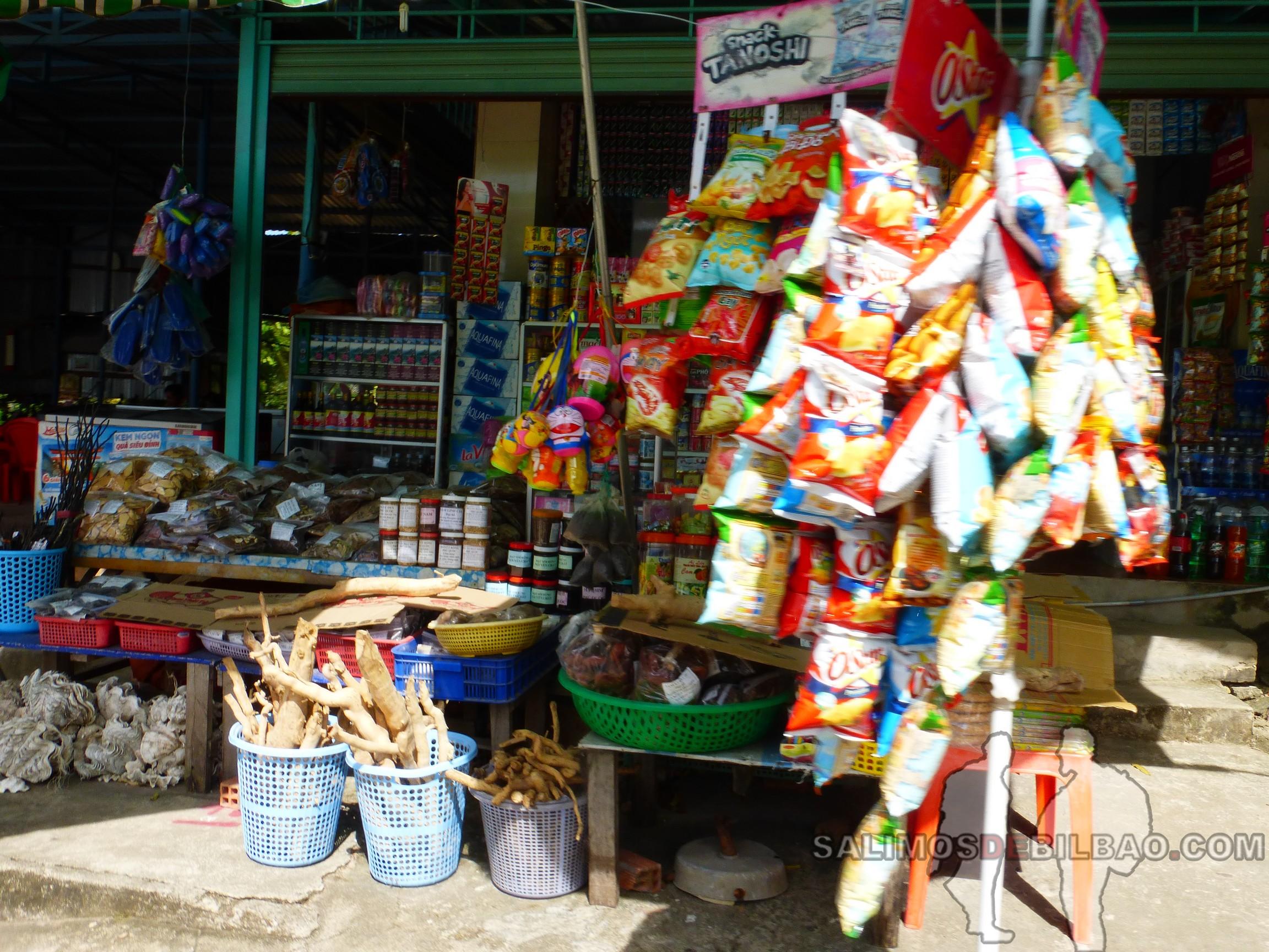 0145. Tienda, Ganh Dau, Noreste de Phu Quoc