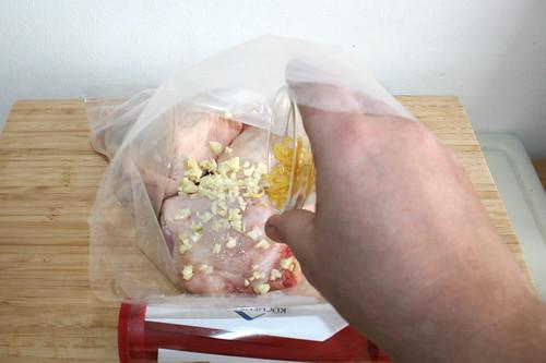 15 - Zitronenschale dazu geben / Add lemon peel