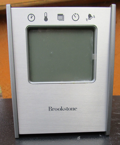 ebay auction of the day a brookstone 5 in 1 sensor clock rh sagittariusdolly wordpress com Brookstone Bob Wobble Clock Brookstone Digital Clock