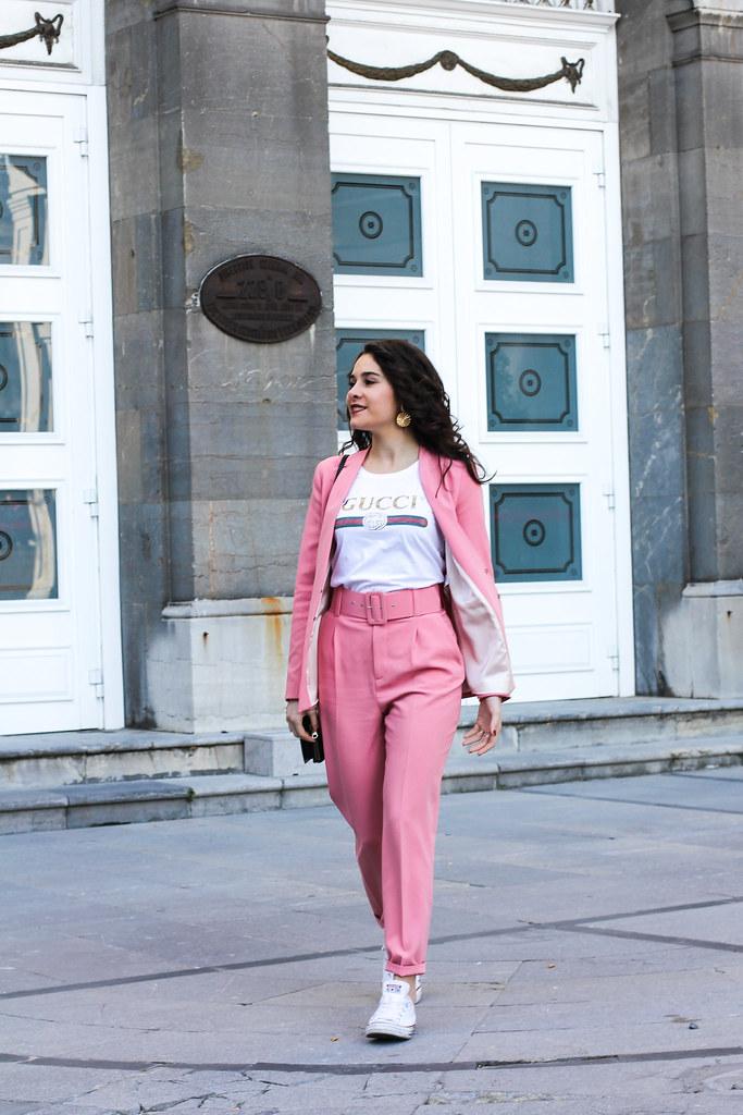 traje rosa zara-2