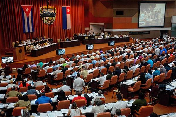 Cubanos vão às urnas para eleger representantes que escolherão novo presidente