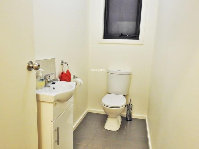 Country Hideaway 05 - Toilet
