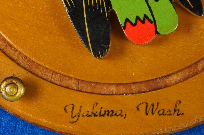 RD20612 Vintage Indian Chief Wall Hanging Wood Plaque Yakima, Wash. Souvenir DSC05095