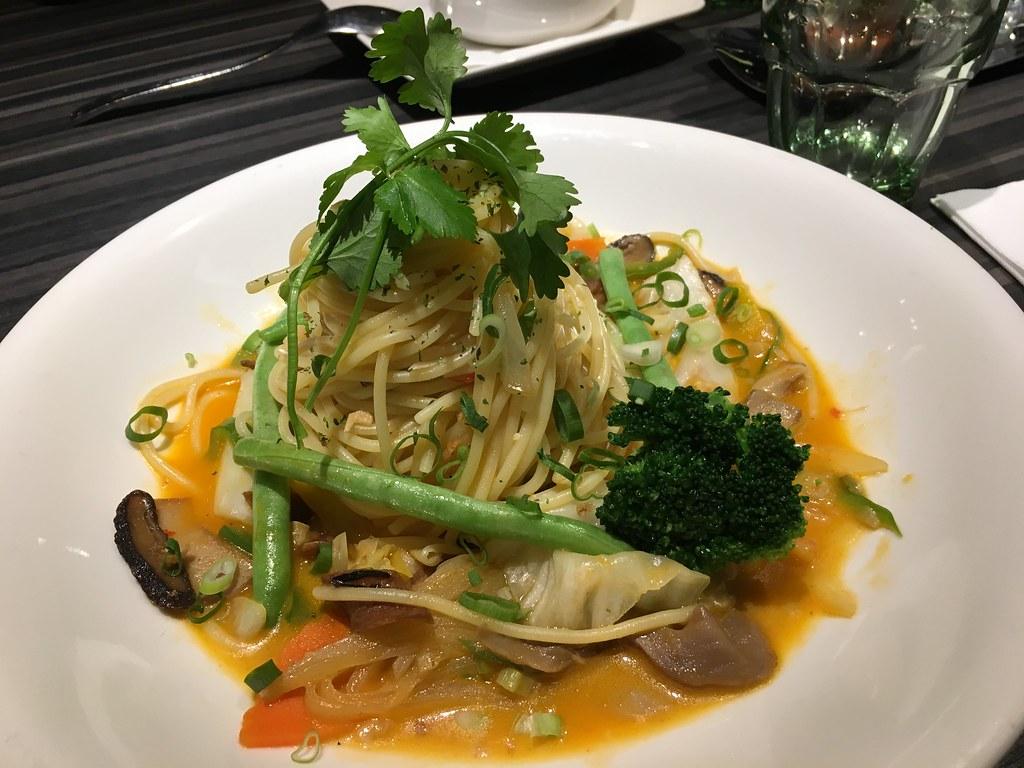 洋城義大利餐廳 泰式紅咖哩