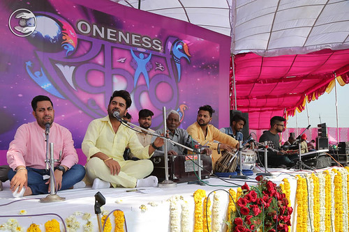 Devotional song by Laadi and Saathi from Yamuna Nagar