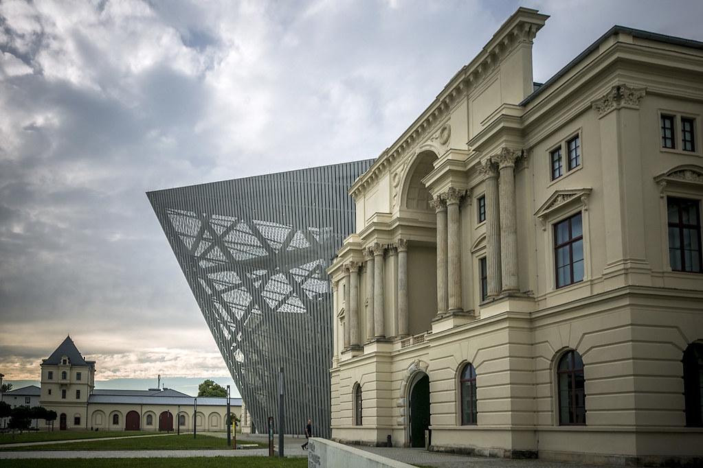 Музей современного военного искусства например, пришлось, музея, музей, только, арсенала, понятно, Музей, можно, внутри, расположен, старого, рядом, собакаподрывака, может, пригодиться, брани, безобидная, овечка, приготовлена