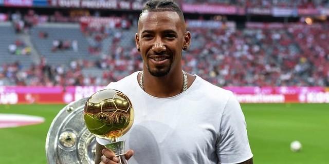 Bek Tengah Bayern Munchen Jadi Rebutan Dua Manchester