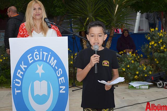 Ali Arslan etkinlikte 'Bayrak' Şiirini okudu