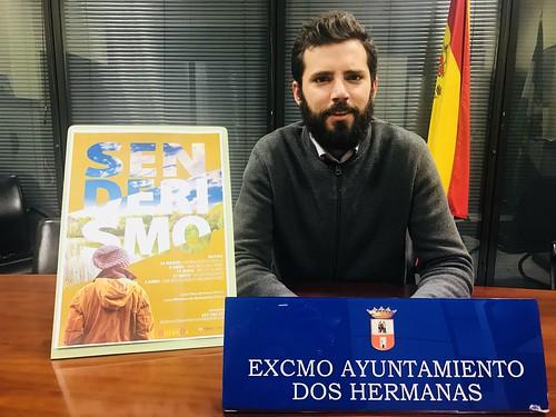 El delegado de Juventud, Juan Pedro Rodríguez, presentando el programa Senderismo Joven