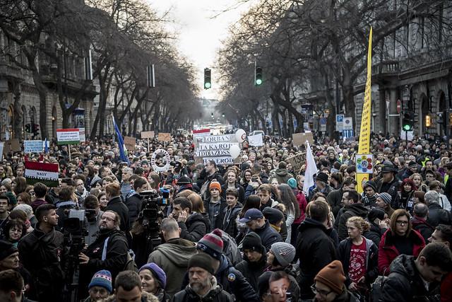 Orbán Viktor: Soros menjen vissza Amerikába!
