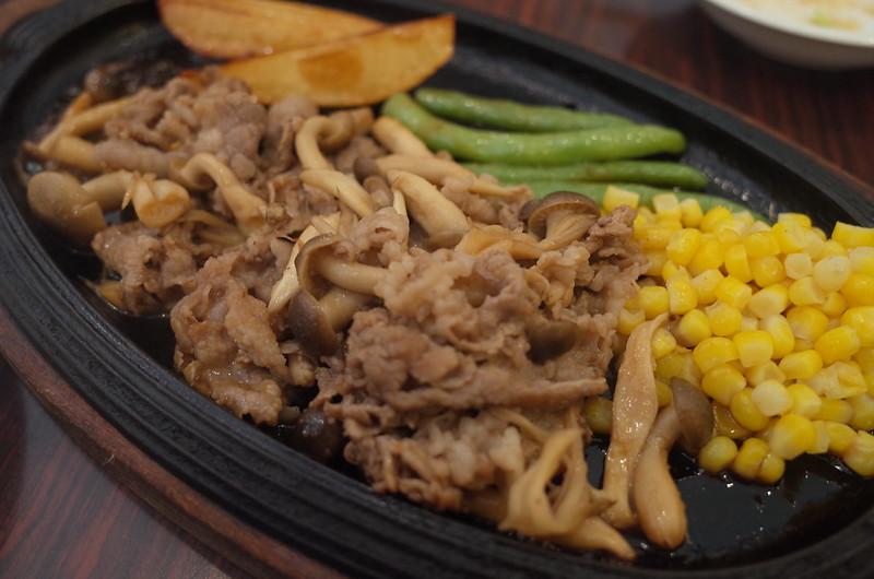 池袋東口ハイマート牛肉の鉄板焼