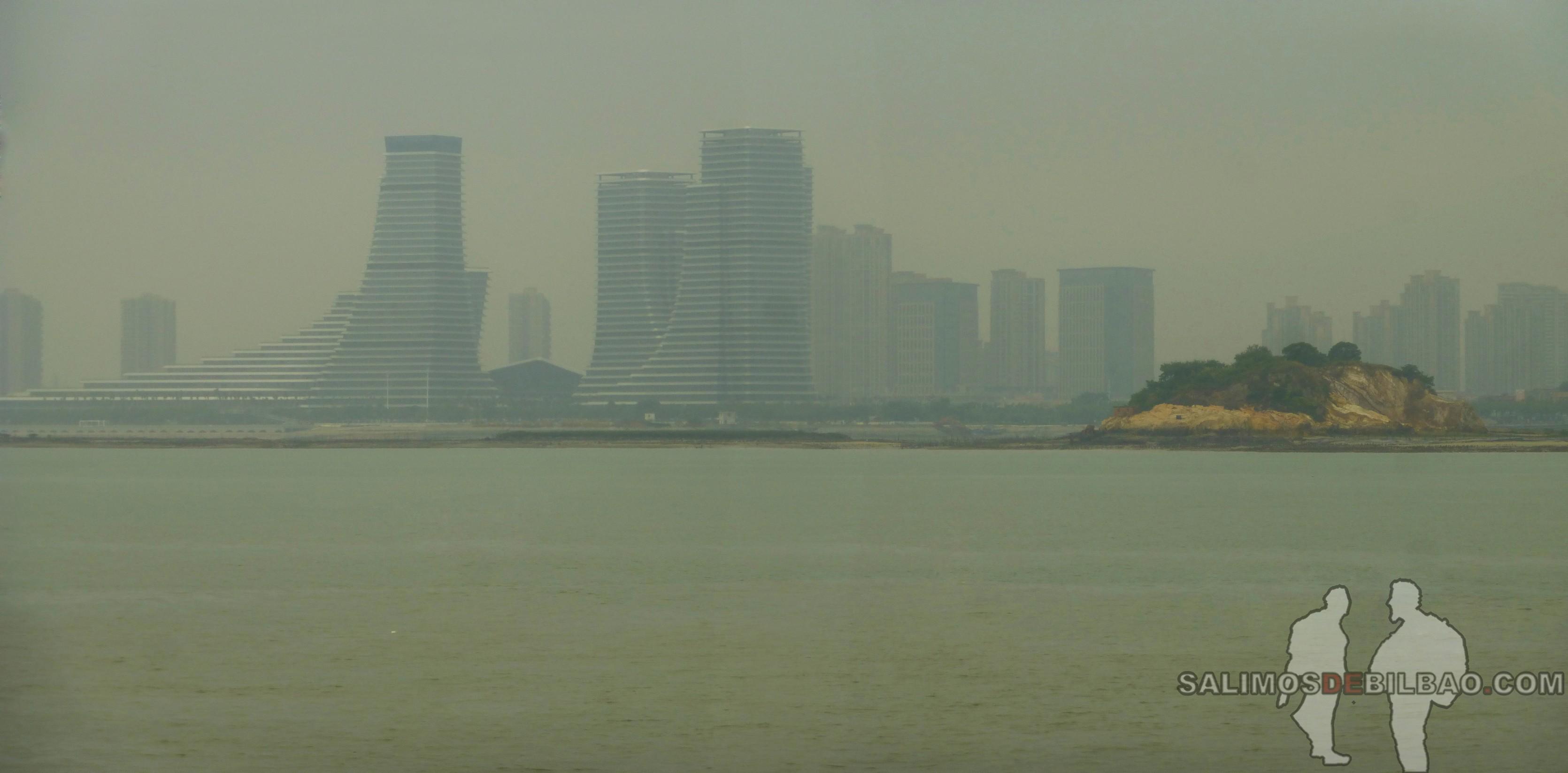 0009. Pano, Vistas de Xiamen desde el ferry a Gulangyu, Xiamen