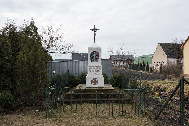 War monument coverted into chapel, Ligota Wielka/Groß Ellguth, 13.03.2018