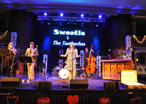 Sweetie and the Toothaches at Casa Loma Ballroom on February 9, 2018