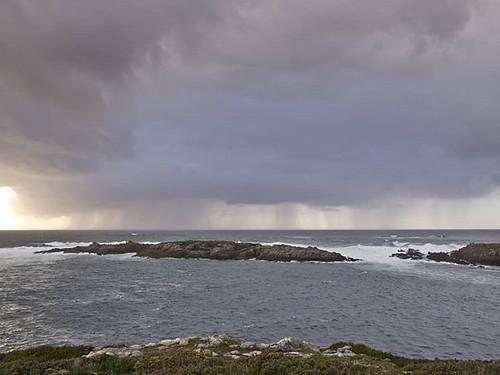 Más cielos bonitos. #Coruña #clouds #mar #sea #olympusomd #photography #photowalk