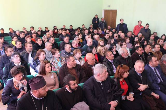 meeting in ninocminda