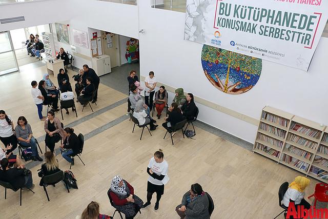 Antalya Büyükşehir Belediyesi 'Yaşayan Kadın Kütüphanesi'-7