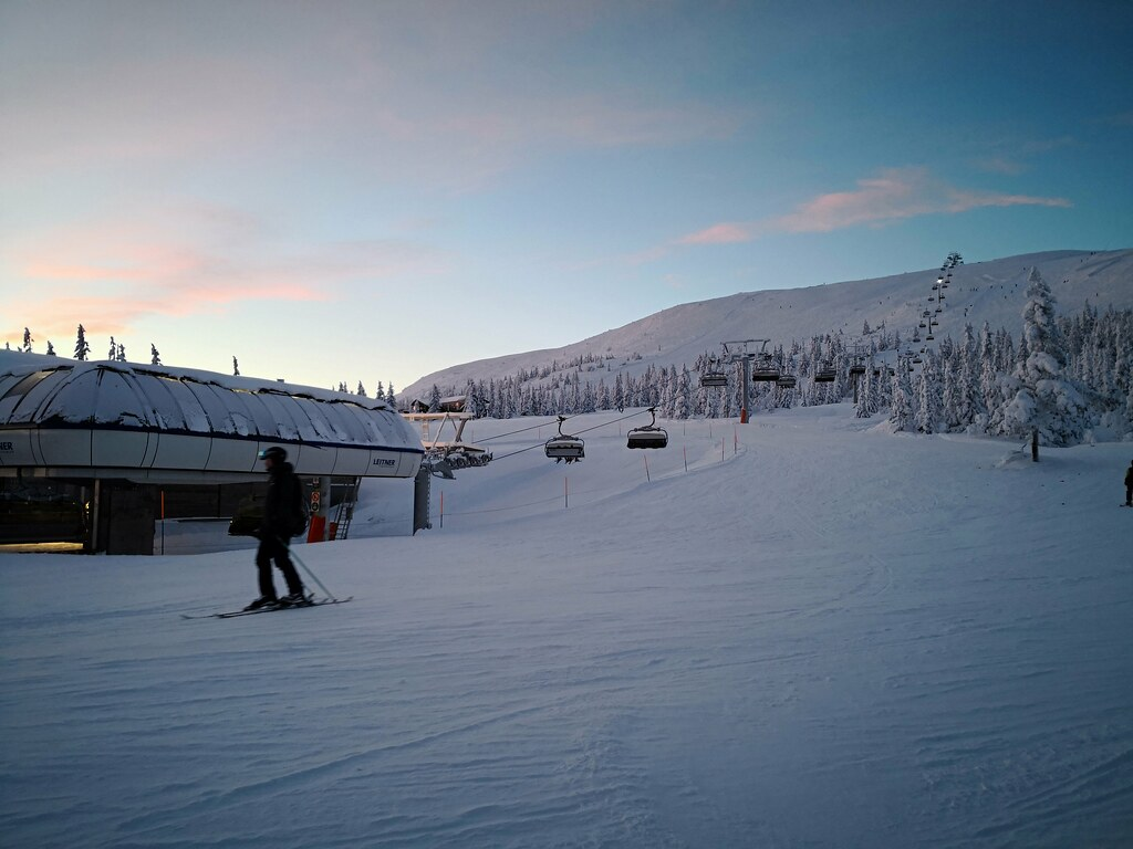 Skihytta ski area in the sunset