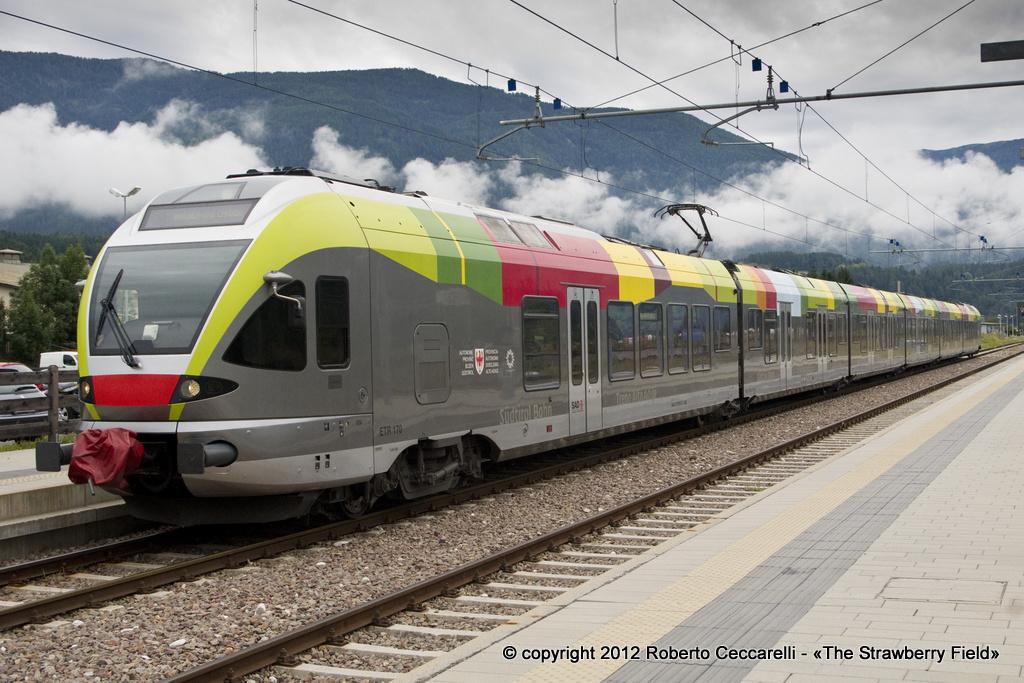 ETR 155 di SAD in sosta a Brunico