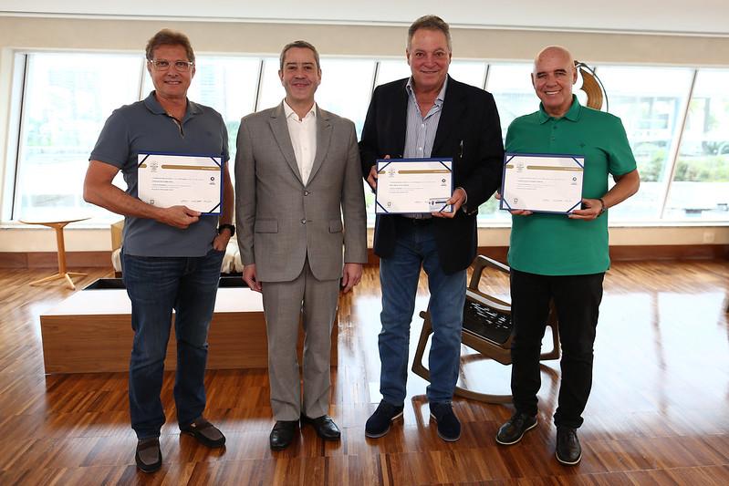 Entrega de Licença Honorária para os técnicos Oswaldo de Oliveira, Abel Braga e Valdir Espinosa