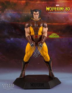這髮型真的太搶眼啦~~ Gentle Giant Collector's Gallery 系列 Marvel Comics【金鋼狼 '80 年代褐色戰衣版】Wolverine '80 Brown Costume 1/8 比例全身雕像作品