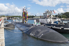USS Tucson (SSN 770) ties up to the pier at Joint Base Pearl Harbor-Hickam, March 7. (U.S. Navy/MC2 Shaun Griffin)