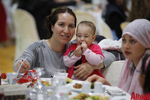 Antalya Büyükşehir Belediyesi 8 Mart Dünya Kadın Emekçiler günü yemek -2