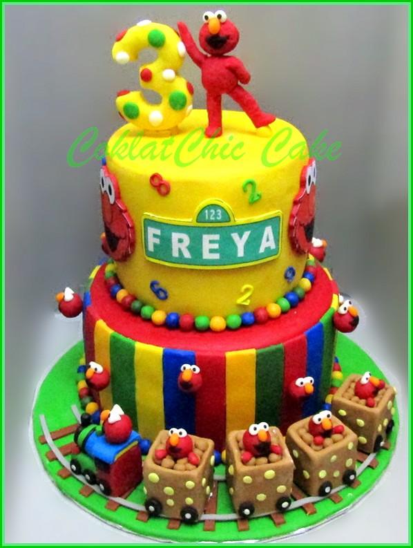 Cake Elmo FREYA 20 cm + 15 cm