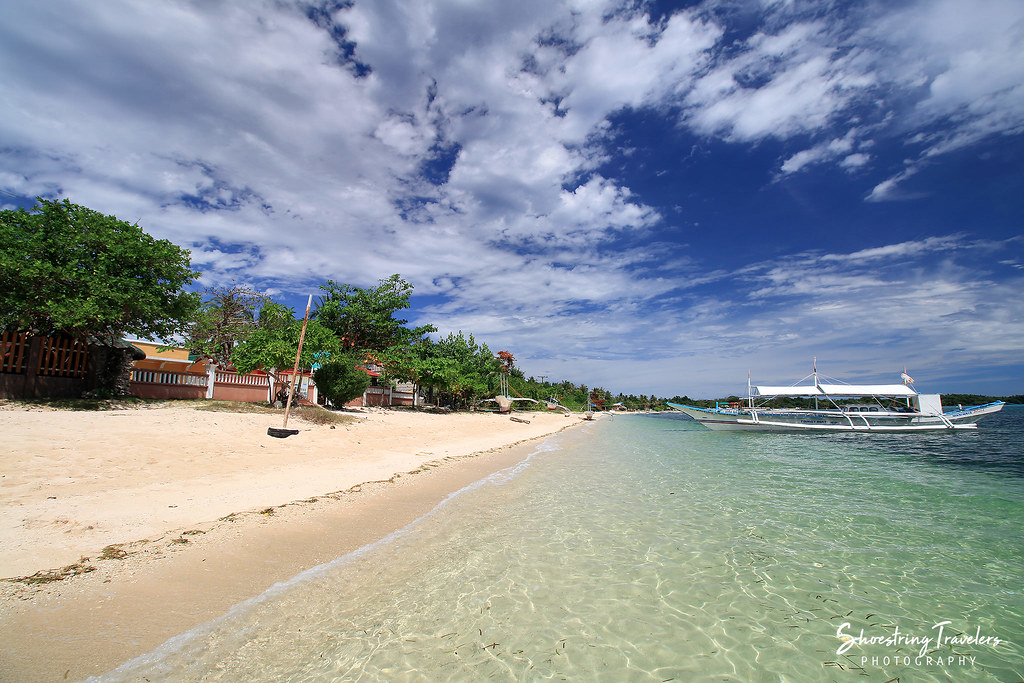 the beachfront at Residencia de Palo Maria, Maniwaya Island