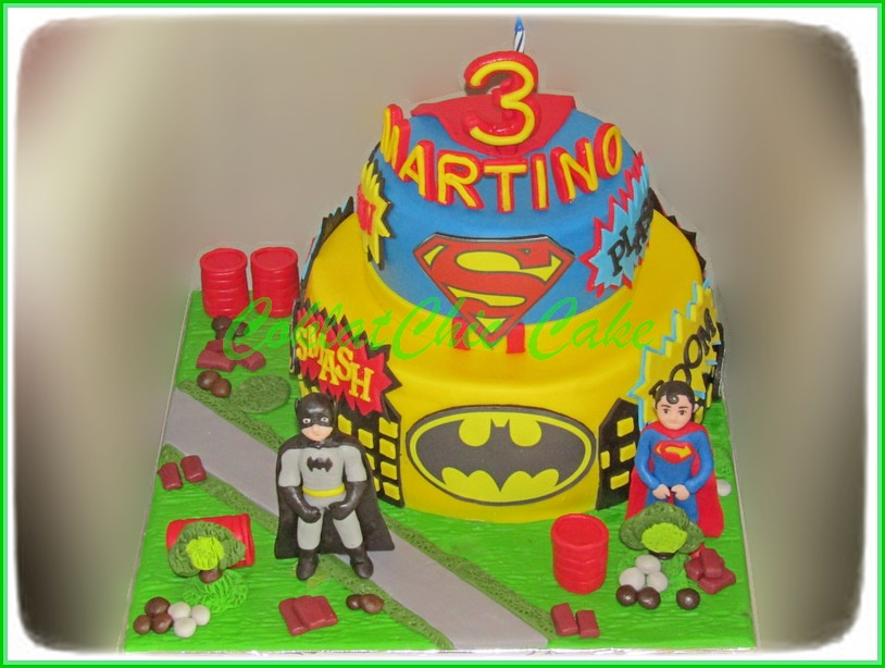 Cake Superhero Batman & Superman MARTINO 15 cm dan 12 cm