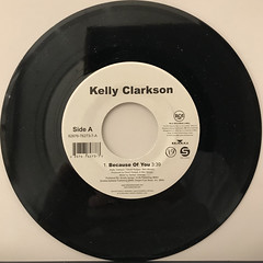 KELLY CLARKSON:BECAUSE OF YOU(RECORD SIDE-A)