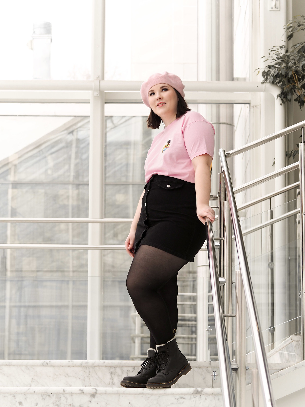 Rat Boy pink t-shirt, musta farkkuhame-12