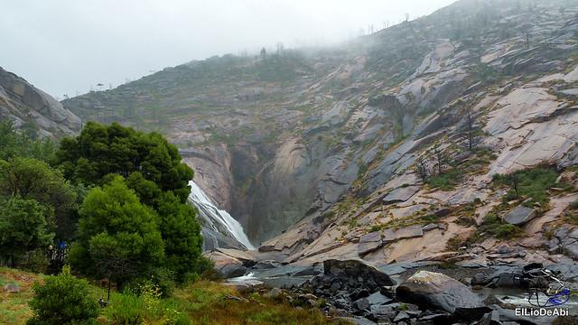 Disfrutar de la Cascada de Ézaro 6