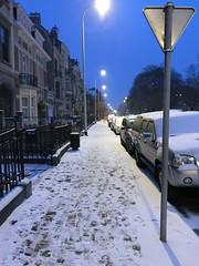 Trottoir au Square Riga sous la neige