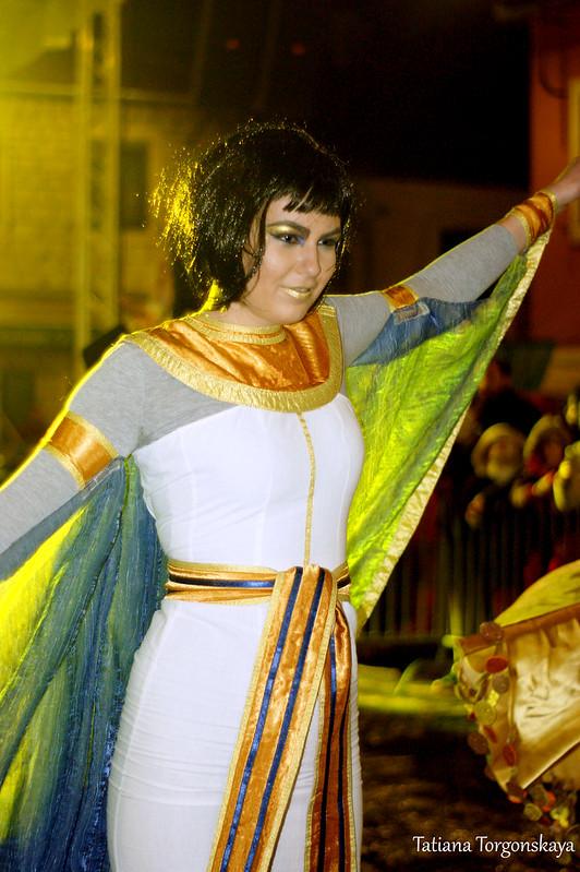 Девушка из карнавальной группы Шабаца