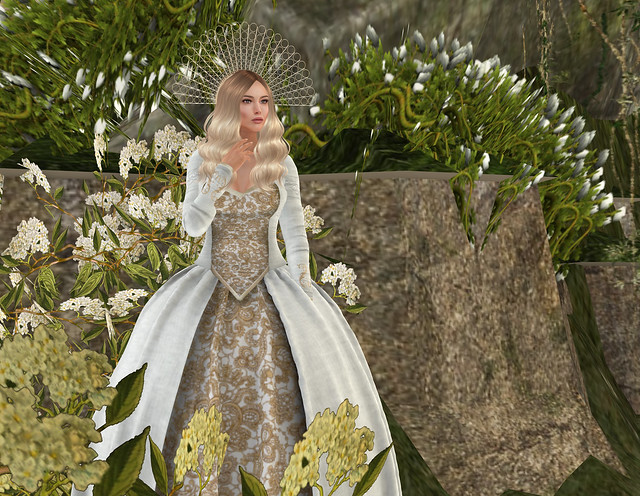 Lady Arianna gown, white, Silvan Moon Designs @ WLRP