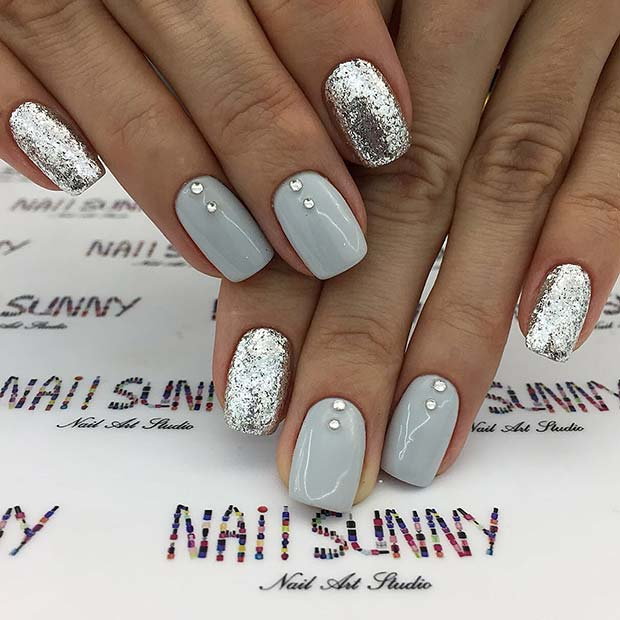 Elegant Silver Nails For Prom: Elegant Prom Nails Design This Season
