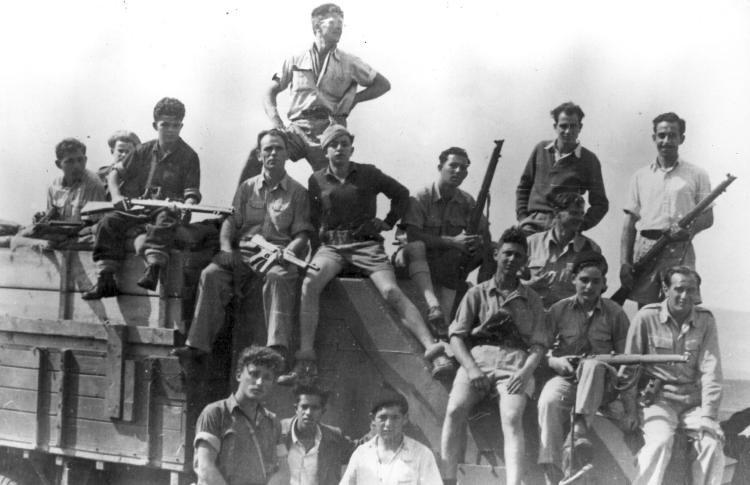 Thompson-convoy-guards-c1948-f-1