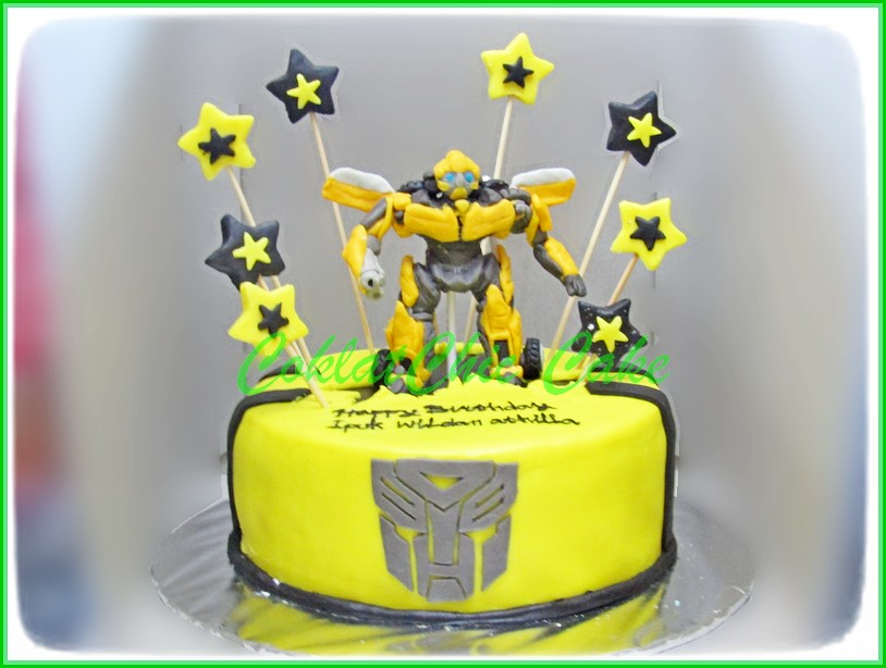 Cake The transformers Bumblebee IPUK WILDAN 20 cm