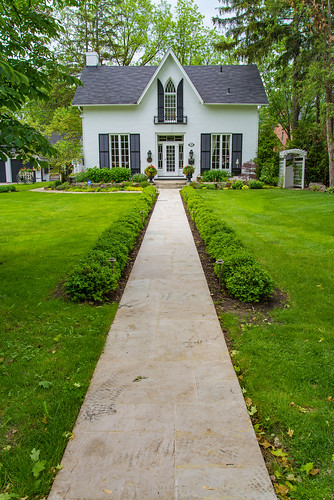 architecture building house home white path toronto unionville garden landscaping canada ontario footpath grass yard trees