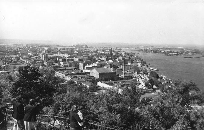 Владимирская горка, вид на Подол, 1955-й год