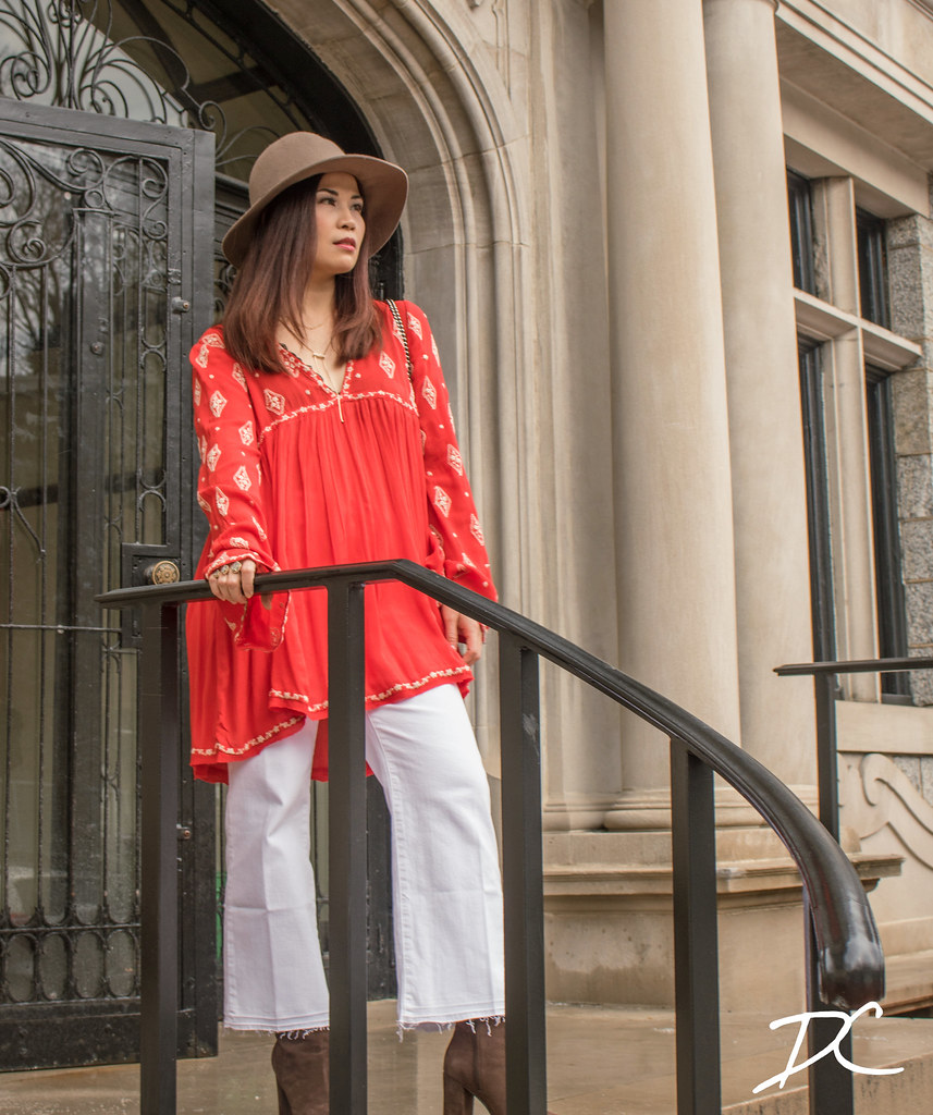red-boho-top-white-jeans-floppy-hat-boots-7