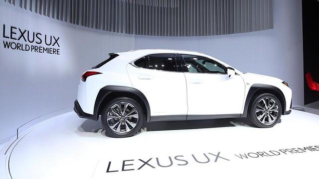 Lexus UX_1