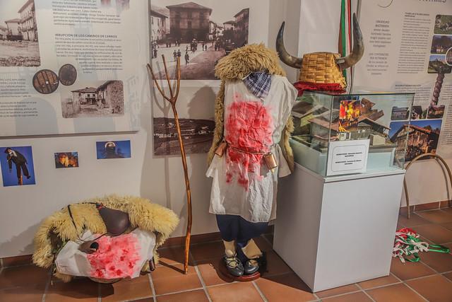MOMOTXOAK - ALTSASUKO INAUTERIA- NAFARROA/NAVARRA - MOMOTXOAK- CARNAVAL DE ALTSASU .Museo de Orozko 2018 #DePaseoConLarri #Flickr -20
