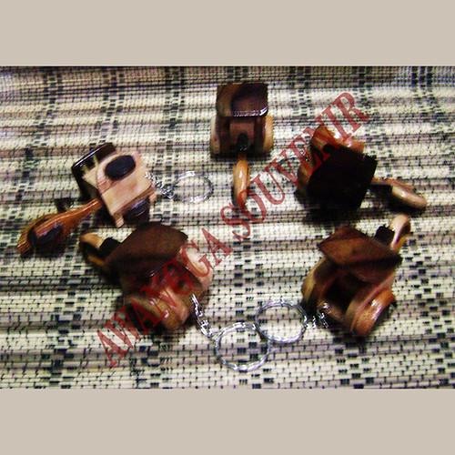 ganci miniatur becak