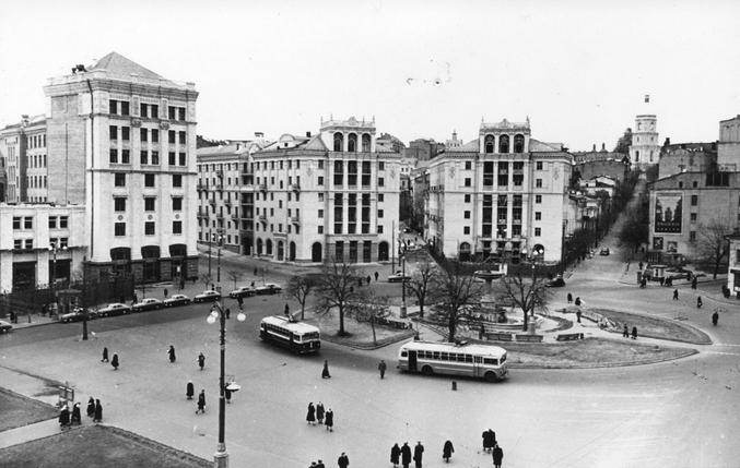 Площадь Калинина (Площадь Независимости), 1953-й год